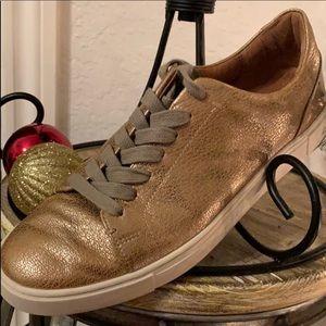 Frye 8 1/2 B Gold Metalic Athletic Shoes